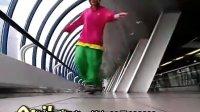 【伯爵独家】这女孩跳Cwalk舞步超酷!!