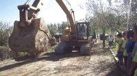 鸿盛挖掘机培训技校项目之一(真实上拖车)