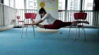 重庆钢管舞学校基本功——压腿
