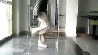 视频: QQ3365246新疆巴音郭楞库尔勒鬼步舞