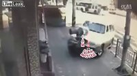 UI总代Q5623587(信誉总代)女人开车沒个准-实拍路口行人被SUV瞬间撞飞