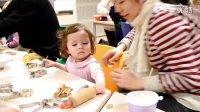 2011.11.24 18个月14日 Kaja第一次做圣诞姜饼