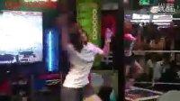 北京城市英雄跳舞机女的高手 (超搞笑)还很性感www.ghdm888.com