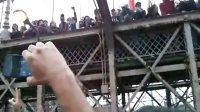 加长版占领华尔街示威者冲击布鲁克林大桥