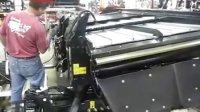 凯斯收割机在工厂的生产视频