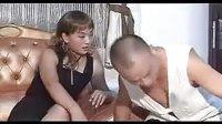 视频: 二人转搞笑,傻子玩妓女