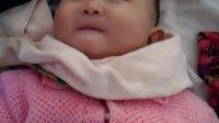 唐忠蕊7个月宝宝爆笑用勺子喝水