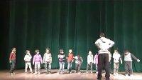 视频: 幼儿园中班体育教案活动《有趣的小布袋》