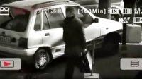 截取电影《神探亨特张》中利用干扰器盗取车内财物的视频