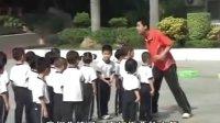 视频: 幼儿园 优质课 中班体育活动 《玩板栗》示范课 DVD 教案