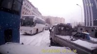 猎豹黑金刚拖救微型货车-哈尔滨大雪后交通状况_1