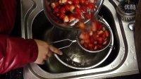 草莓慕斯蛋糕。草莓季