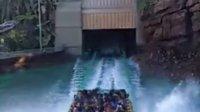 洛杉矶环球影城侏罗纪公园激流勇进落水慢放(5s拍摄)
