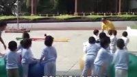 【最佳示范课】幼儿园小班体育公开课《滚球追球》优质示范课视频