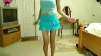 美女在家疯狂跳舞 小妞的Q1666953414