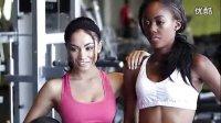 【极品性感美女无胸罩】性感的健身教练健身房展露霸气