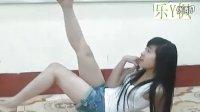 【乐Y枫】劲爆高中女生 教室内大胆秀热舞!