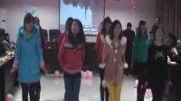 长江大学年会女生兔子舞开爱开心