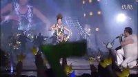 视频: 2011 YG Family Concert DISC2 DARA PSY合作舞台