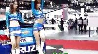 泰国车展挤胸美女车模传视频 造化之王_