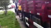 东风天龙后双桥随车吊厂家 12吨徐工随车吊价格 东风153随车吊 楚风后八轮挖机拖车