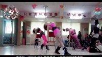 郑州夜店性感美女钢管舞现场表演——轩依国际钢管舞 美女集中营