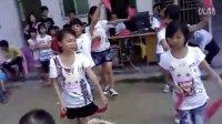 我们班(五年级)学生跳的兔子舞