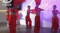[拍客]实拍武汉车展美女激情舞蹈台中换衣爆引眼球