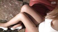 Japs巨乳熟女性感内衣写真系列1--透白连体紧衣豆点肉丝美腿