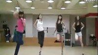 美女室内跳舞激情视频加Q1831536400