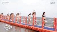 兴城国际泳装节,比基尼美女深入大海_星期七旅游网