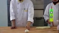 【火】毛毛虫肉松面包做法_做面包需要哪些材料
