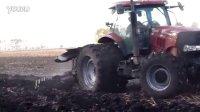 八五二农场凯斯210牵引国产大犁翻地