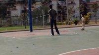 和舅舅打篮球