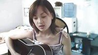 美女吉他弹唱