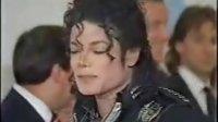 1988Bad Tour英国伦敦站温布利体育场皇室成员到场观看MJ与英国王妃戴安娜还有查尔斯王子接见