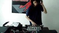 视频: 急速DJ俱乐部打碟现场1 培训网址http:wwwdj13800com