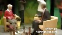 视频: 美女意外遭扒衣落荒而逃http:www.boobg.combaoyang4034.html