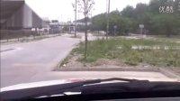 科目2场地考直角转弯倒车入库车身边线距离把握看点技巧
