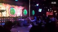 北京三里屯月色酒吧钢管舞表演