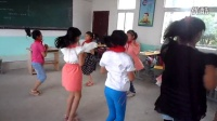 鄂州东沟镇余湾小学课间时间跳的兔子舞,农村学生跳这样子可以了