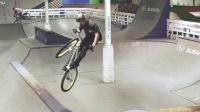 视频: 崔克C3 Rheeder和Steenbergen骑室内板场
