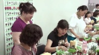 用丝瓜瓤制作个性多肉组合盆栽