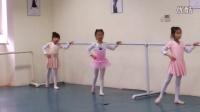 芭蕾舞基本功排练