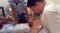 视频: 泰国巫师小鬼上身求彩票号