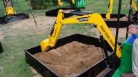 2014最新型儿童游乐挖掘机生产厂家-专利产品威肯游乐4006809678