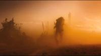 《疯狂的麦克斯:狂暴之路》先行版预告片 酷刑、飞车、枪战轮番上演