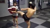 泰拳训练--广东金甲搏击俱乐部这个两小家伙超帅_高清