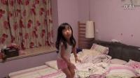 小萌妹子睡前跳《小苹果》