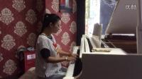 海安拉妃咖啡馆惊现美女弹优美钢琴曲。
